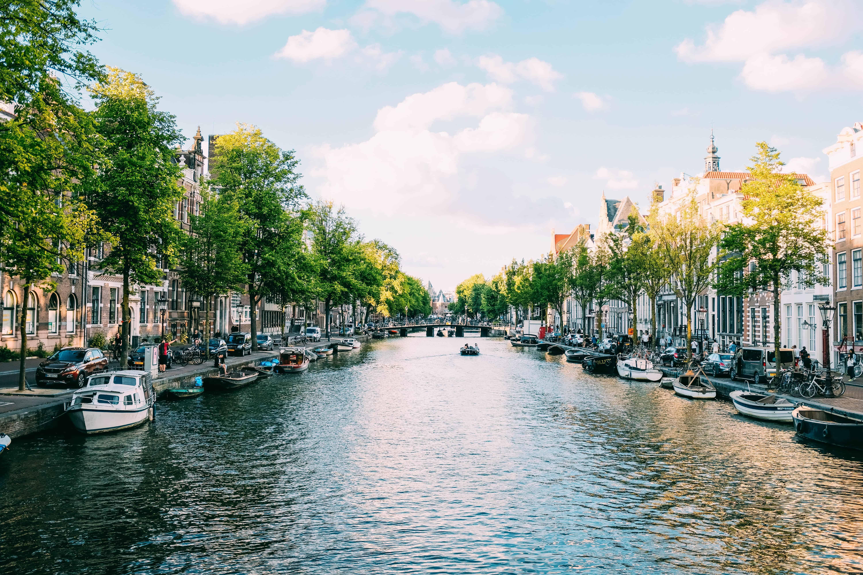 deutsche immobilieninvestor investiert in amsterdam