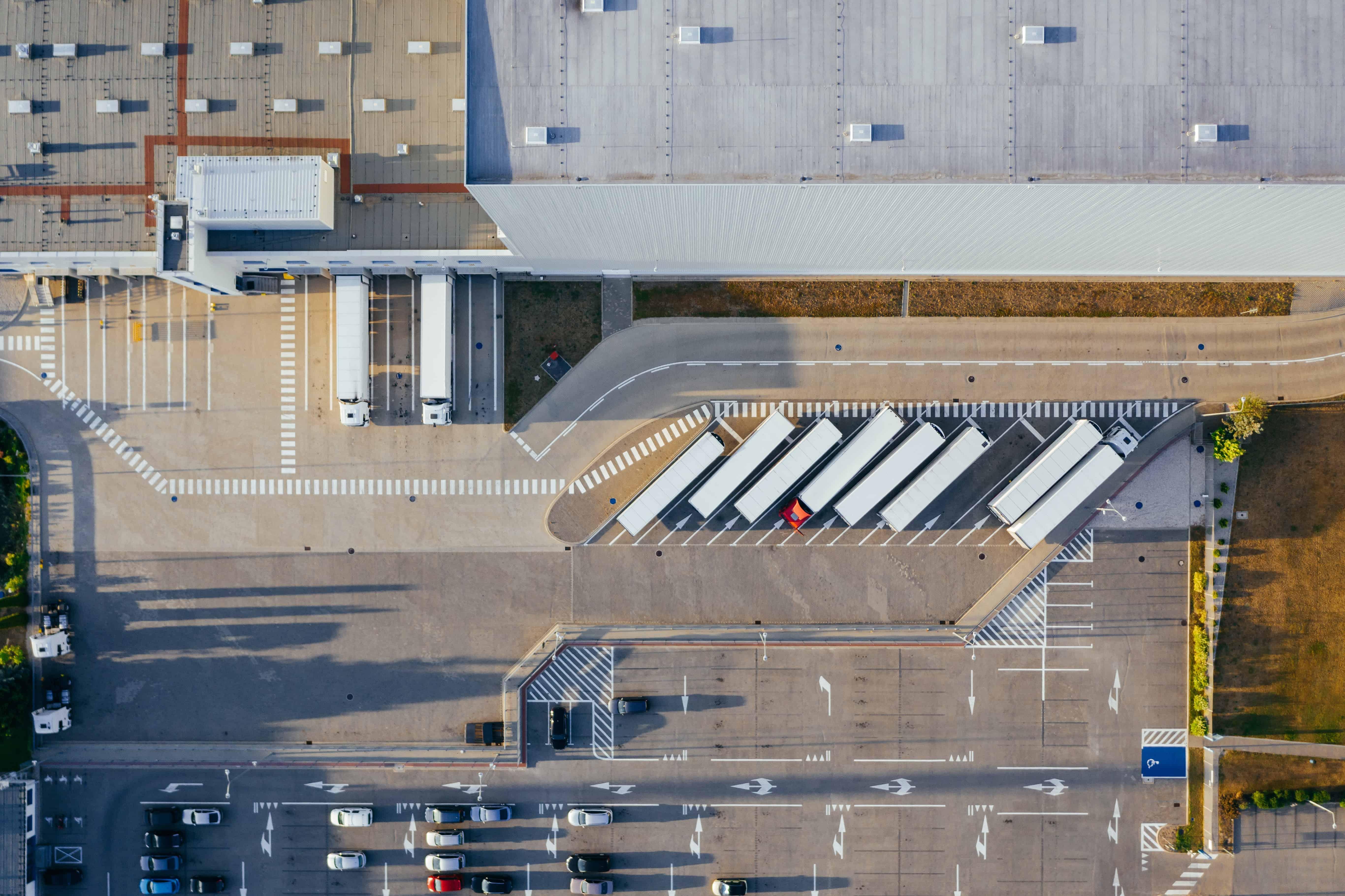Investoren für Logistikimmobilien-Portfolios: Diese 3 Investoren kaufen an